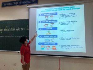Nhiều tỉnh cho học sinh nghỉ học vì COVID-19