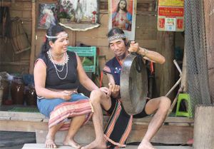 Người giữ hồn văn hóa ở thôn Kon Trang Long Loi