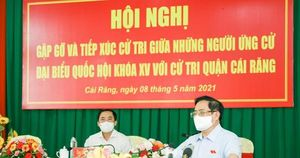 Thủ tướng mong người dân không lo lắng khi tiêm vắc xin phòng COVID-19