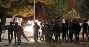 Cảnh sát Israel đụng độ người Palestine gần đền thiêng ở Jerusalem