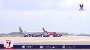 Hãng hàng không đồng loạt công bố tăng phí