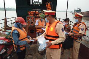 Tổ chức tuyên truyền phòng, chống dịch Covid-19 trên các tuyến đường thủy qua Thủ đô