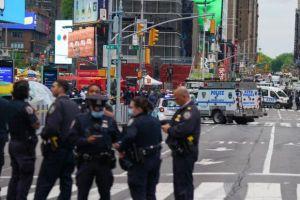 Mỹ: Xả súng ở quảng trường Thời Đại, 3 người bị thương