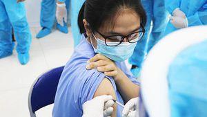 Có thêm hơn 30 nghìn người được tiêm chủng vaccine phòng Covid-19