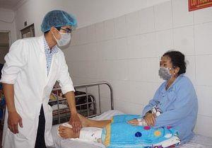 Cảnh giác: Trật khớp gối có thể phải cắt chân