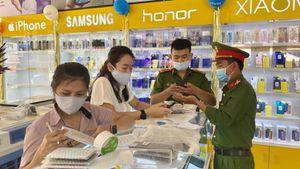Quảng Bình: Công an bắt giữ lô điện thoại không rõ nguồn gốc