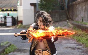 Kamen Rider Saber: Kiếm sĩ bất tử Falchion bá đạo thế nào?