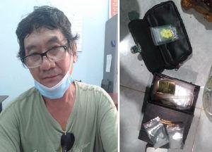 Nghi ngờ gói hàng, tài xế xe khách đã lật tẩy đối tượng bán ma túy