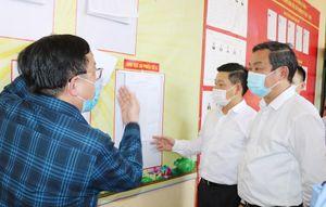 Kiểm tra công tác chuẩn bị bầu cử và phòng, chống dịch tại huyện Quốc Oai