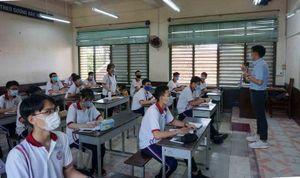 Học sinh, sinh viên ở Yên Bái trở lại trường học tập và kiểm tra