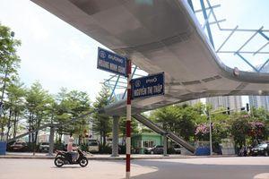 Cận cảnh cầu bộ hành chữ Y đầu tiên ở Hà Nội