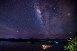 Dải ngân hà đẹp huyền bí trên bầu trời Cố đô Huế