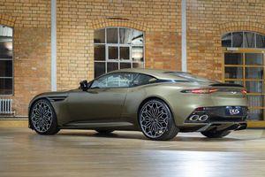 Vẻ đẹp tuyệt mỹ của siêu xe Aston Martin DBS Superleggera phiên bản đặc biệt, giá gàn 10 tỷ
