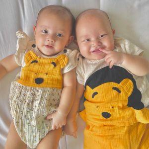 Ngắm vẻ đẹp đáng yêu 'tan chảy' của cặp song sinh nhà Hà Hồ - Kim Lý