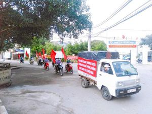 Huyện Thanh Trì: Xử phạt 137 trường hợp không đeo khẩu trang nơi công cộng
