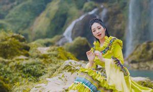 Sao mai Phương Nga cất 'Tiếng hát giữa rừng Pác Bó'