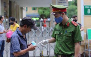 18 ngày, Hà Nội xử phạt người không đeo khẩu trang nơi công cộng gần 6 tỷ đồng