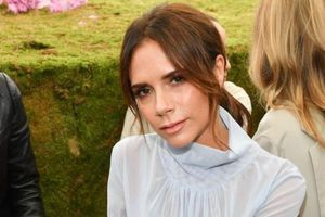 Victoria Beckham cứu vãn thương hiệu thời trang thua lỗ