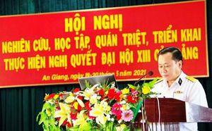 Lữ đoàn 962 học tập, quán triệt nghị quyết Đại hội XIII của Đảng