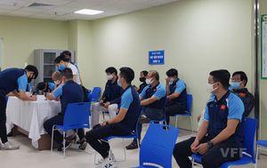 Đội tuyển Việt Nam hoàn thành mũi tiêm vaccine thứ 2 phòng COVID-19