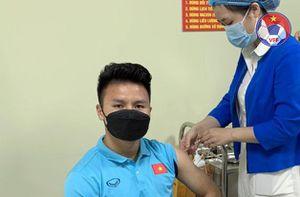 Tuyển Việt Nam hoàn thành tiêm mũi thứ 2 vắc xin phòng Covid-19
