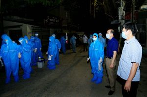 Hà Nam: 10 bệnh nhân Covid-19 khỏi bệnh được xuất viện