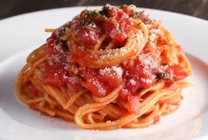 Tự làm món mì spaghetti sốt cà chua kiểu Nhật