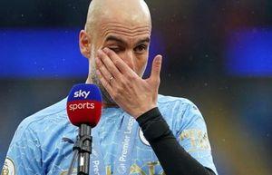 Pep Guardiola bị chỉ trích 'nước mắt cá sấu'
