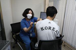 Hàn Quốc đặt mục tiêu tiêm cho 13 triệu dân trong nửa đầu năm 2021
