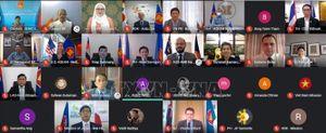 Các nước thành viên Cấp cao Đông Á tăng cường hợp tác