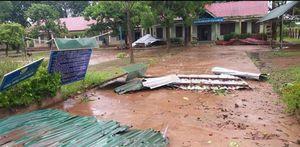 Đắk Lắk: Mưa, lốc xoáy làm tốc mái trường học và nhà dân