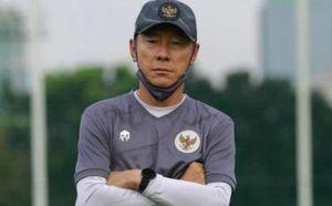 HLV Indonesia bị cấm chỉ đạo trận gặp UAE