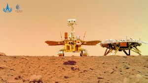 Trung Quốc công bố loạt ảnh đầu tiên trên sao Hỏa của tàu thăm dò Zhurong