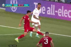 VAR bỏ qua pha bóng chạm tay rõ ràng ngay trận mở màn Euro 2020