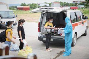 Sơn La, Lạng Sơn đón công nhân về địa phương để 'giảm tải' cho Bắc Giang
