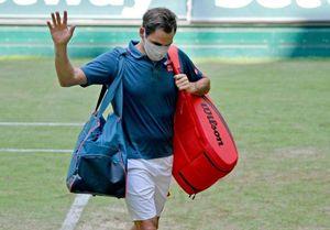 ĐKVĐ Federer nối gót Medvedev rời giải Halle