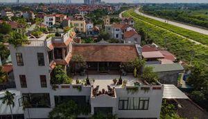 Độc đáo nhà cổ trăm tuổi nằm trên nóc biệt thự ở Hà Nội