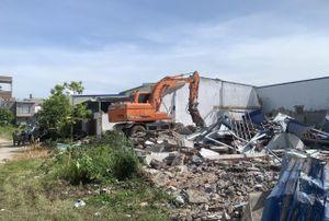 Chủ tịch TP Hải Phòng kiểm tra cưỡng chế khu nhà xây trên đất quốc phòng