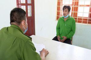 Cản đường xe truy đuổi buôn lậu, bị khởi tố