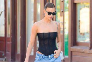 Irina Shayk diện áo corset khoe dáng gợi cảm
