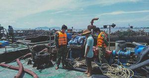 Bắt giữ 3 sà lan vận chuyển 500m3 cát trái phép trên vùng biển Cần Giờ