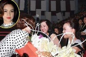 Hà Hồ ôm hôn mẹ Cường Đô la gây xôn xao