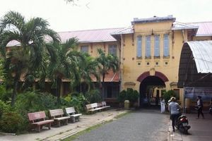 Cần Thơ: Xung quanh việc đập ngôi trường trăm năm để xây lại