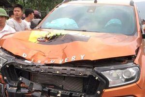 Tài xế ôtô tháo biển số, rời hiện trường sau tai nạn chết người