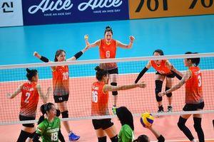 Thanh Thúy tỏa sáng, bóng chuyền nữ VN thắng chủ nhà Indonesia ở ASIAD
