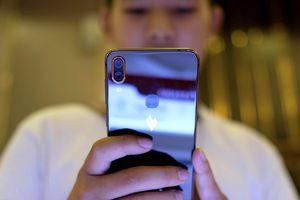 Điện thoại thương hiệu Việt và nỗi đau gục ngã ngay trên sân nhà