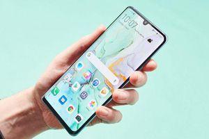 Huawei đưa quảng cáo lên màn hình khóa điện thoại?