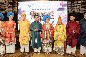 Tạo trang phục cổ: Thử thách của phim Việt