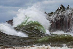 Hồ nước ngọt có sóng cao 9 m như ở biển