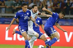 Messi trấn an người hâm mộ, khẳng định Argentina không thể bị loại từ vòng bảng